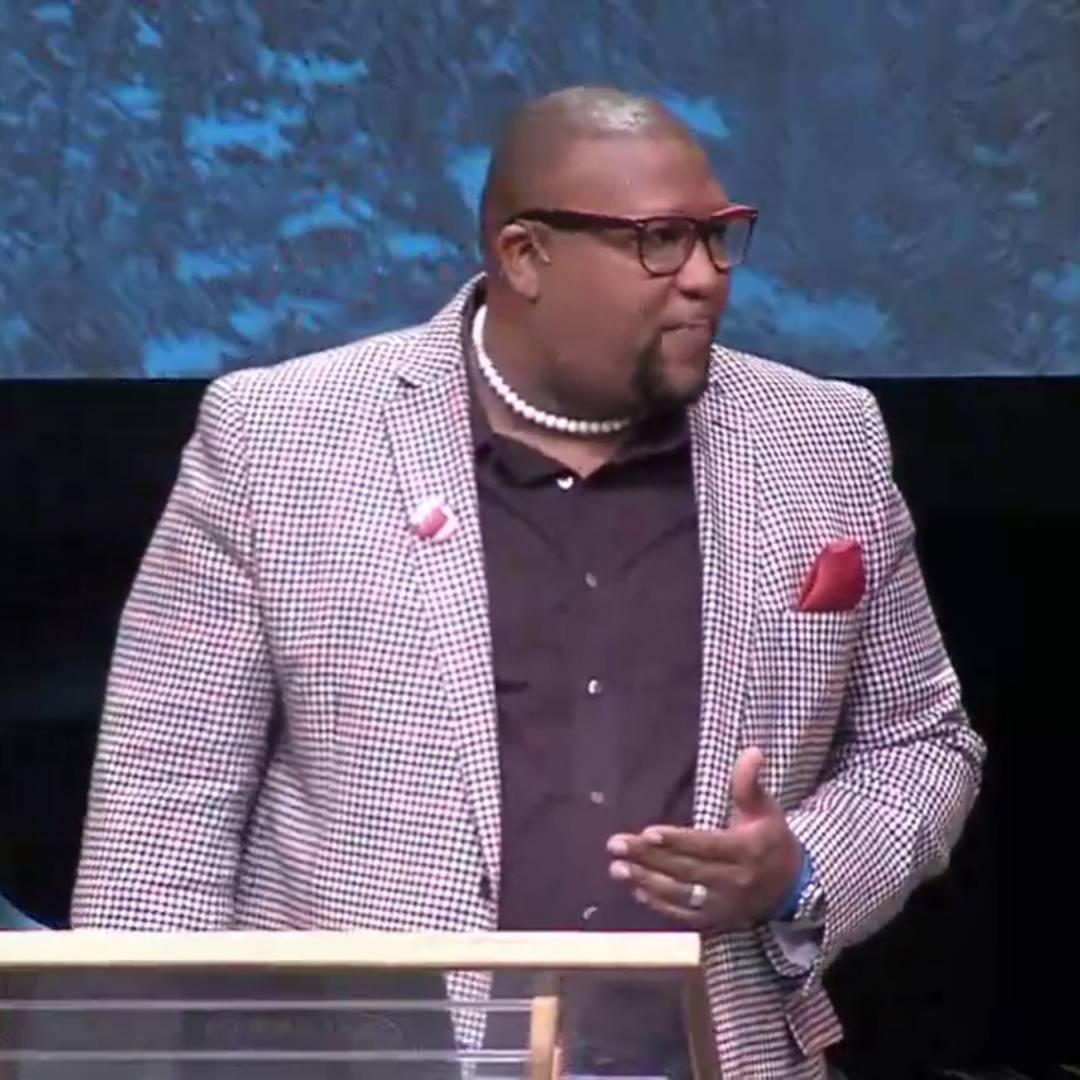 Dr. Anderson, Bridgeway Community Church wears Embrace Mic