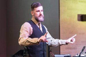 Pastor Wears Dual Element Headset Microphone