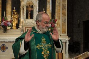 Rev. Jeffrey Keyes - wears EMBRACE microphone